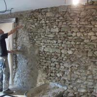 Mur pierre joints