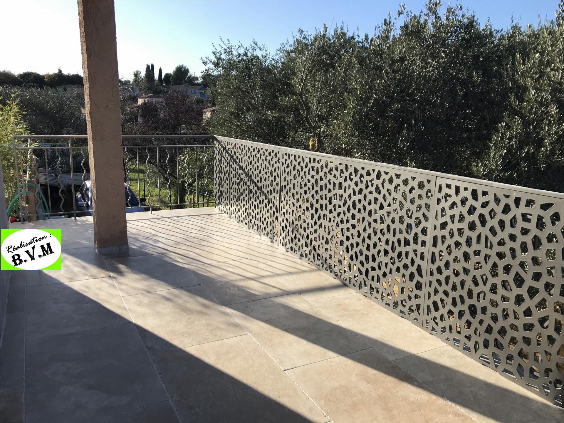 terrasse en travertin